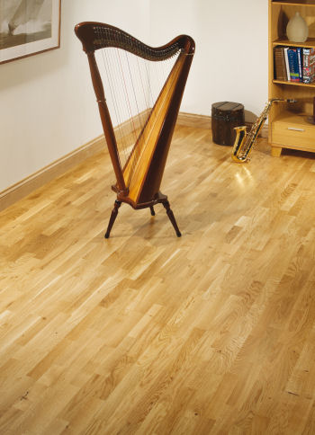 Windsor-Oak-Unique-3-Strip-Lacquered